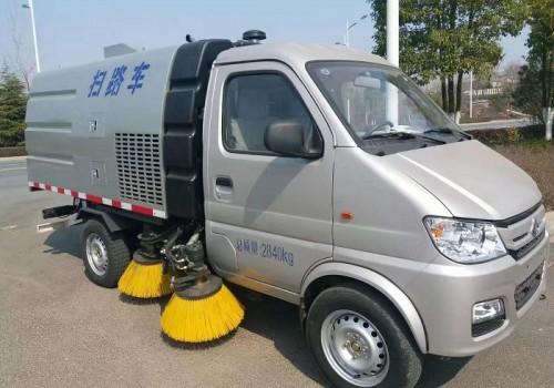 长安小型道路洗扫车扫路车