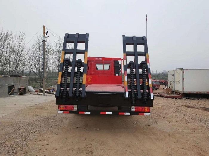 解放J6单桥平板车图片