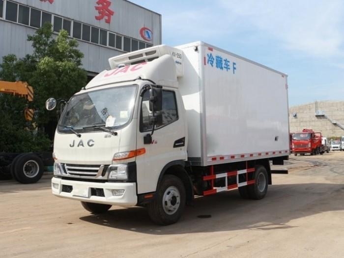 江淮骏铃4.2米小型冷藏车