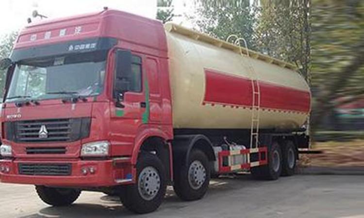 斯太尔30方粉粒物料运输
