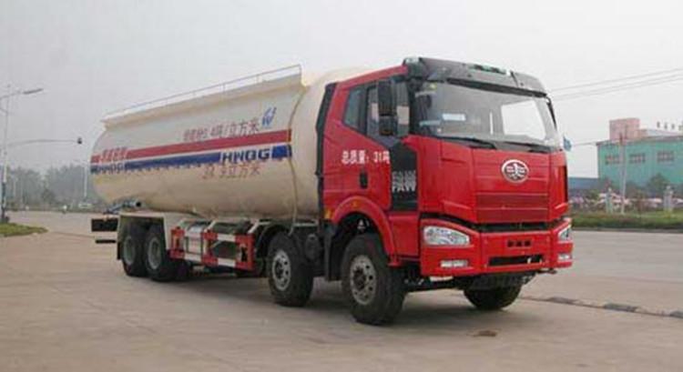 解放40吨粉粒物料运输车
