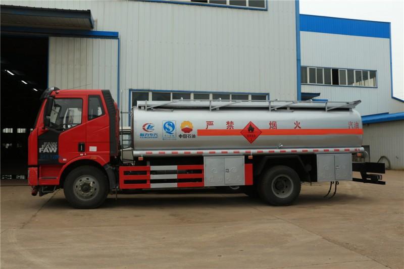 程力解放J6  15方加油车运油车图片