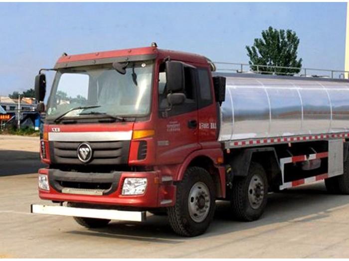 欧曼20立方小三轴鲜奶运输车