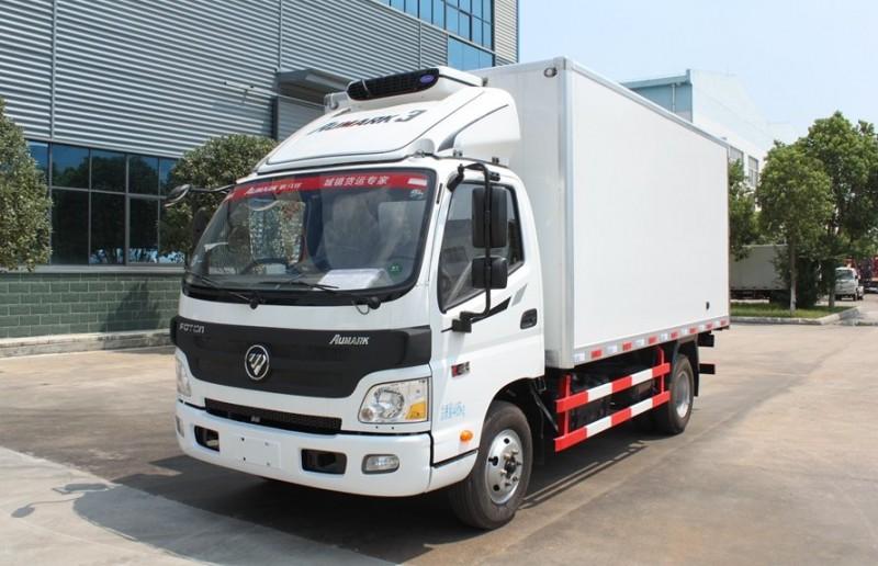 福田欧马可4.2米冷藏车全方位图