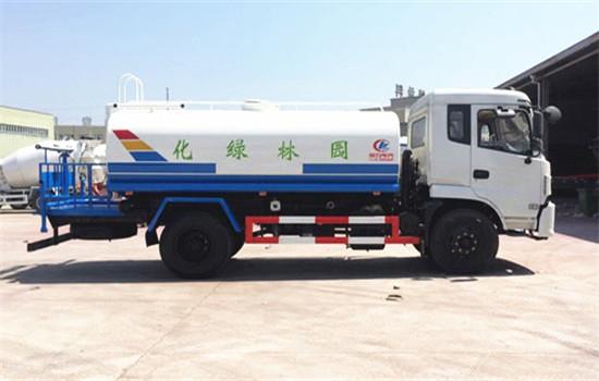 东风专底10吨-12吨洒水车图片