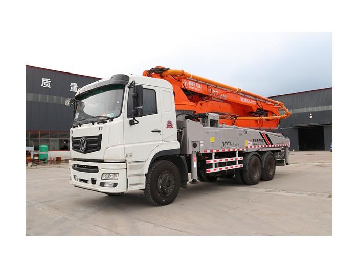 东风47米混凝土泵车