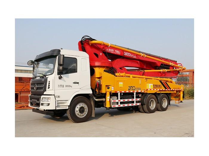 陕汽52米混凝土泵车