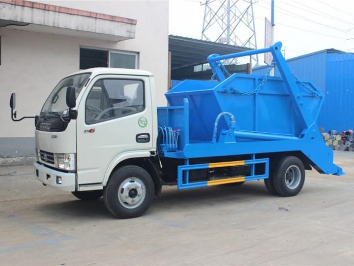 东风多利卡5方摆臂式垃圾车