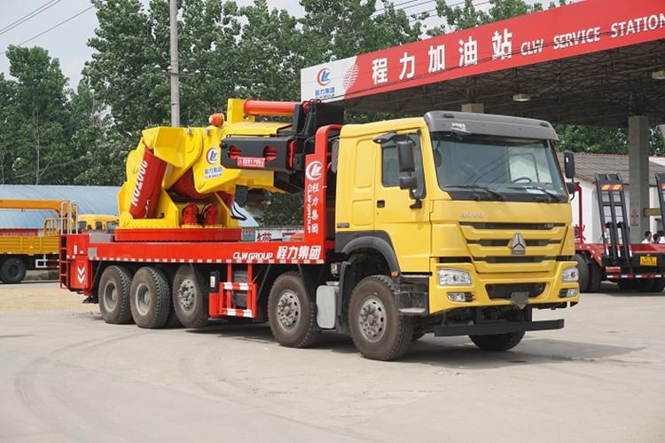 重汽200吨大型起重机