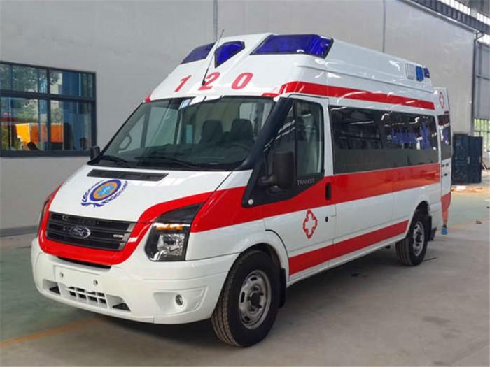 江铃福特新世代超人高顶监护型救护车