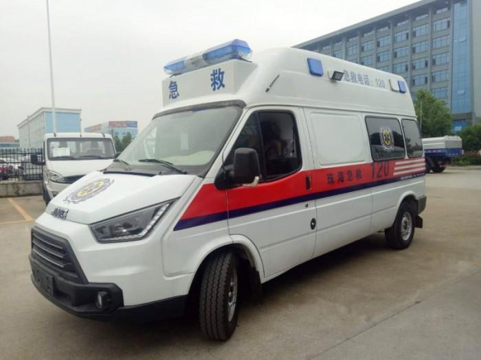 江铃特顺长轴汽油监护型救护车
