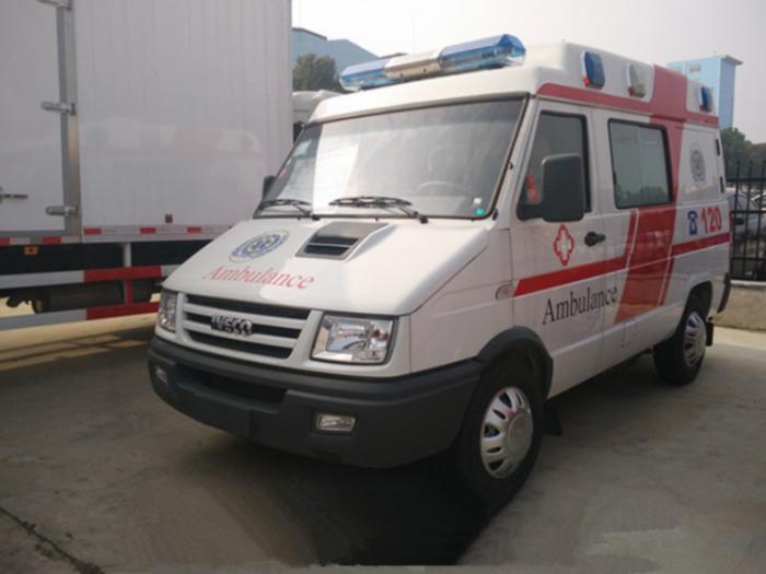 依维柯得意A35救护车