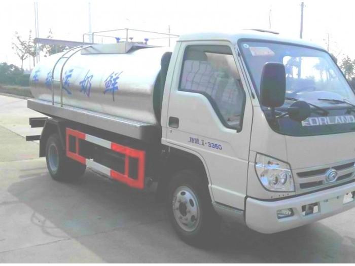 福田时代小型鲜奶运输车