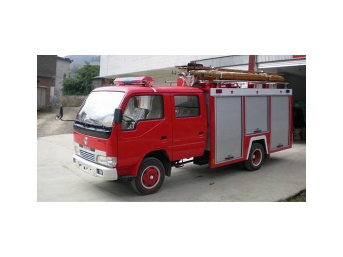 东风多利卡3-4吨水灌消防车
