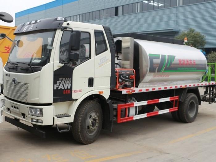 解放12吨沥青洒布车