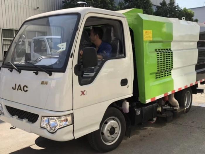 江淮2吨小型吸尘车