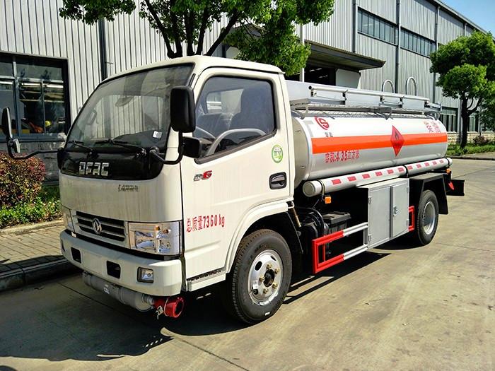 东风多利卡4.63方油罐车