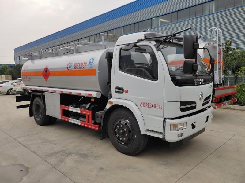 东风福瑞卡8吨油罐车