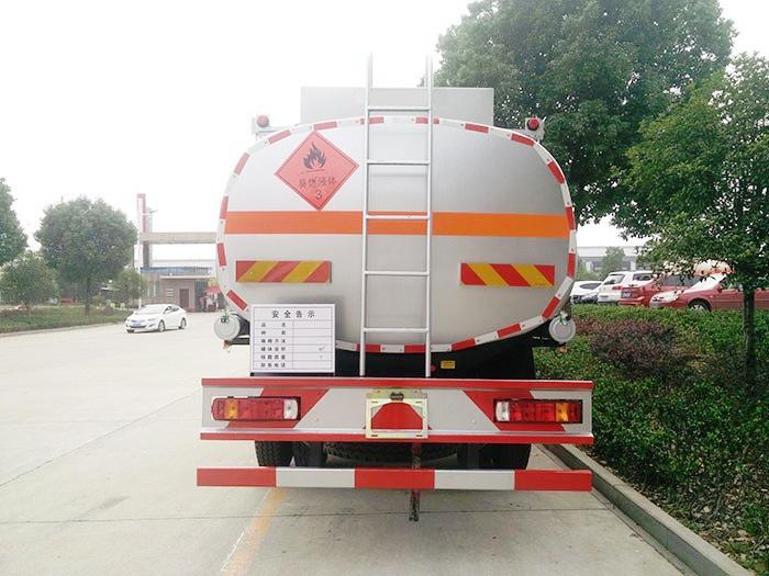 福田欧曼小三轴21方油罐车图片