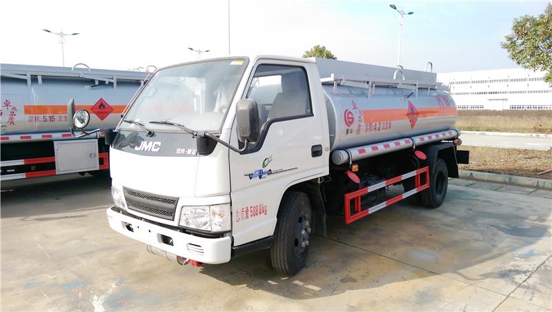 Jiangling 5 cbm fuel tanker truck